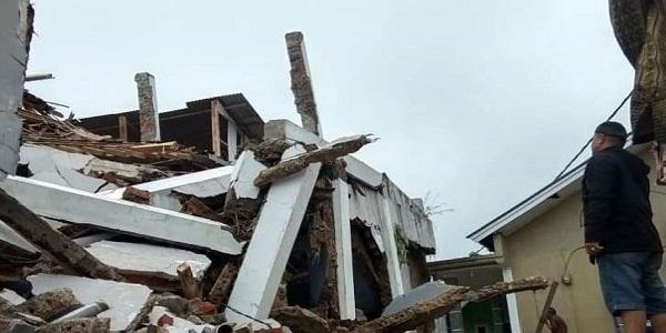 Rumah rusak akibat bencana gempabumi yang melanda wilayah Sukabumi, Selasa (10/03/2020) sore (Dok. Istimewa)