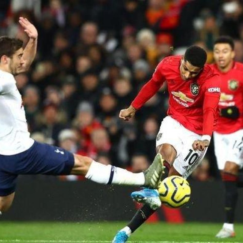 2 Link Live Online Streaming Manchester United vs Tottenham Hotspurs Selain Mola TV