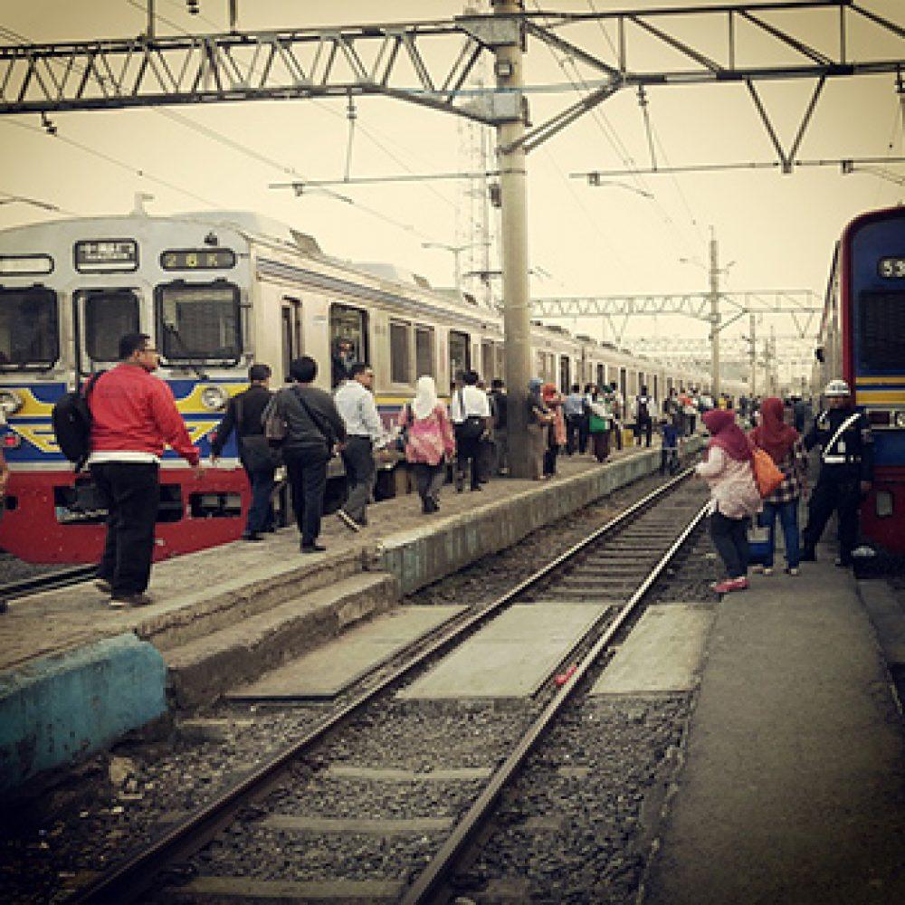 Suasana di stasiun kereta api (Foto: Pixabay)