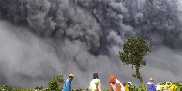 Abu Vulkanik Gunung Sinabung Diprediksi Masuk ke Kota Kota Malaysia