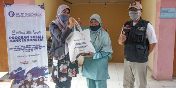 Kasus Covid-19 Masih Tinggi, Bank Indonesia Solo Gandeng ACT Bantu Warga Terdampak di Sukoharjo