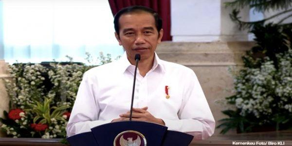 Presiden RI Joko Widodo (Jokowi) dalam peluncuran bantuan pemerintah subsidi gaji/upah untuk pekerja/buruh bergaji di bawah Rp5 juta di Istana Kepresidenan Jakarta, Kamis (27/08/2020). (Foto: Kemenkeu/Biro KLI)