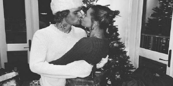 Justin Bieber dan Hailey Baldwin membagikan momen kebahagiannya saat malam Natal (Foto: Instagram @justinbieber)