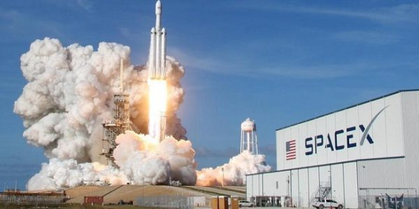 Peluncuran Roket SpaceX (Foto: Reuters)