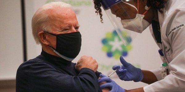 Presiden terpilih Amerika Serikat (AS) Joe Biden menerima dosis pertama vaksin Pfizer Covid-19 (Foto: Reuters)
