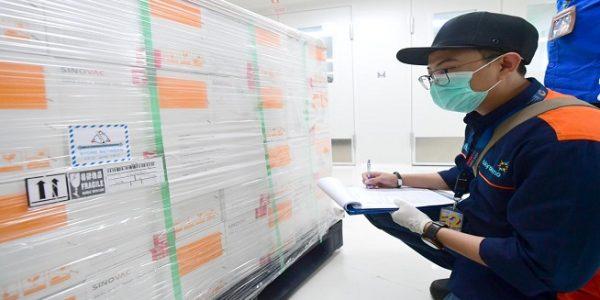 Vaksin COVID-19 buatan Sinovac disimpan di Kantor Pusat Bio Farma Bandung, Jabar. (Foto: Biro Pers Setpres/Muchlis Jr)