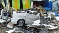 Gempa kuat dengan magnitudo M6,2 mengguncang Majene Kota Mamuju, Sulawesi Barat (Sulbar), Jumat (15/01/2021) dini hari pukul 01.28 WIB, mengakibatkan banyak bangunan ambruk (Foto: Instagram @infomamuju_)