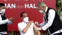 Presiden RI Joko Widodo saat menerima suntikan vaksin Sinovac di Istana Merdeka, Jakarta, Rabu (13/01/2021). (Dok. YouTube Setpres)
