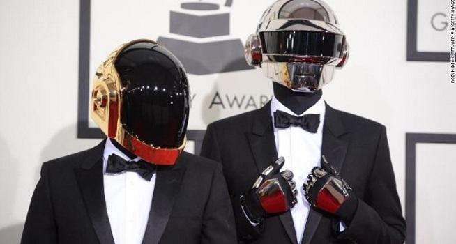 Duo musisi dance asal Prancis, Daft Punk menyatakan bubar setelah hampir tiga dekade berkarier di industri hiburan (Dok. CNN)