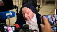 Suster Andre, seorang biarawati Prancis yang disebut sebagai orang tertua di Eropa berhasil selamat dari paparan Covid-19 (Foto: BBC/AFP)