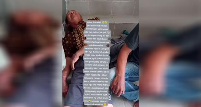 Screenshot rekaman video seorang pria berbaju batik terkapar di tangga masjid akibat kehilangan uang (Dok. Instagram @undercover.id)