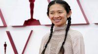 Chloe Zhao mencetak sejarah sebagai wanita kulit berwarna pertama yang menyabet kemenangan Sutradara Terbaik di Piala Oscar (Foto: New York Post)