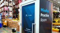 Amazon berencana menempatkan ruang kebugaran di gudangnya. Fasilitas ini memungkinkan karyawan yang tengah mengalami stres bisa melakukan relaksasi di dalamnya (Foto: BBC)