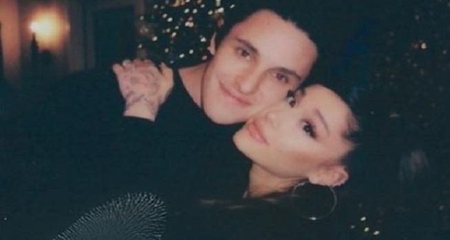 Ariana Grande menikah dengan kekasihnya Dalton Gomez akhir pekan lalu (Foto: Instagram-@arianagrande)