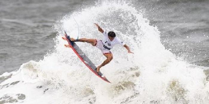 Surfer Indonesia, Rio Waida harus mengakui keunggulan Kanoa Igarashi dalam lomba selancar Olimpiade Tokyo 2020. (Foto: Instagram @riowaida_)
