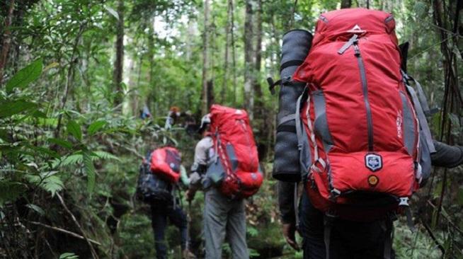 Penting ! Ini Dia Peralatan Pendaki Gunung Yang Wajib Dibawa